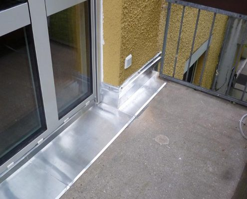 Verblendung im Eingangsbereich einer Terrasse
