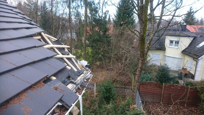 Sturmschaden am Dach (Notdienst)